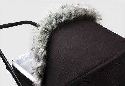 Univerzálna kožušina na kočík šedá / žíhaná